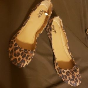 Mossimo size 7 Leopard Flats